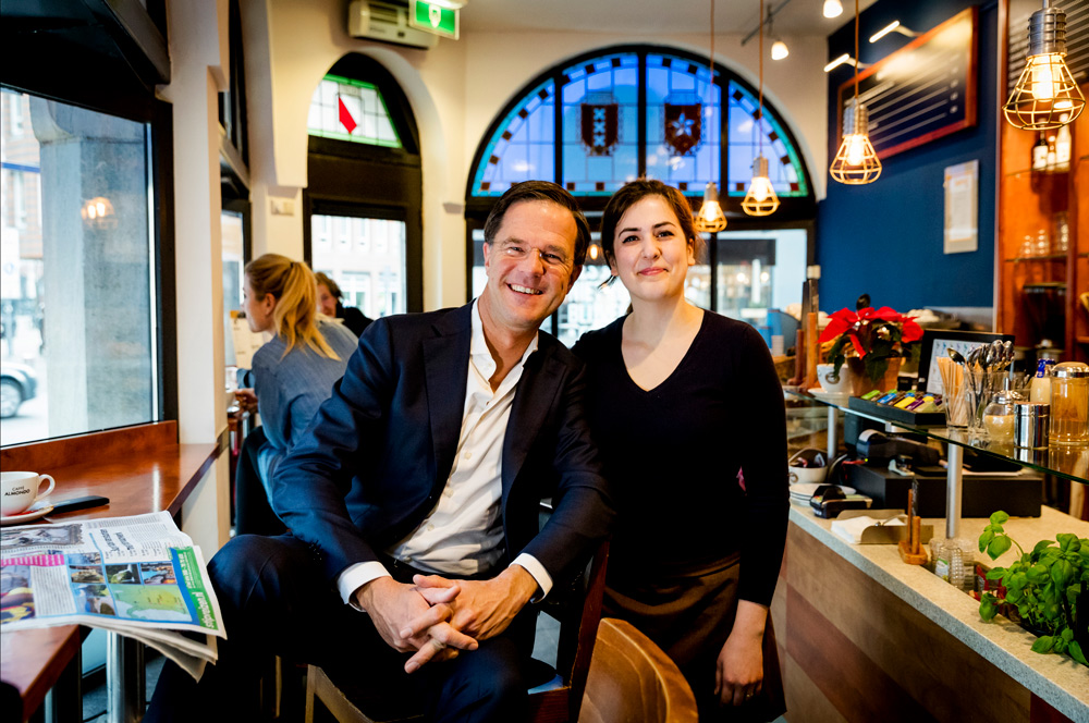 Mark rutte in Caffe Almondo
